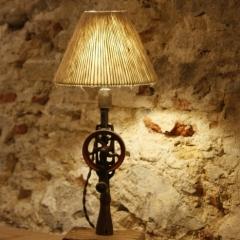 Lámpara terebro tocat pel vent-9